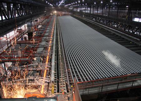 Produktion von ultralangen Schienen in Leoben-Donawitz