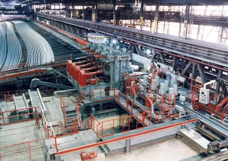 Rollenrichtmaschine und Schienenkühlbett (120 m) in Donawitz