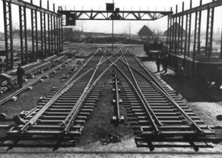 voestalpine Railway Systems history - Scissors crossover with double slip