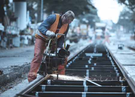 Manual rail grinding