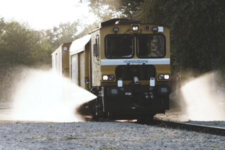 Mobile rail grinder